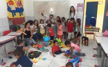 Doação de brinquedos realizada pela equipe de saúde Bucal da Lagoa da Palha