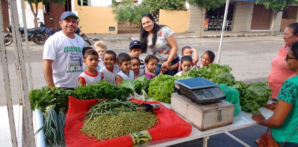 O Centro Infantil Maria Diva da Silva trabalhando o projeto Alimentação Saudável.
