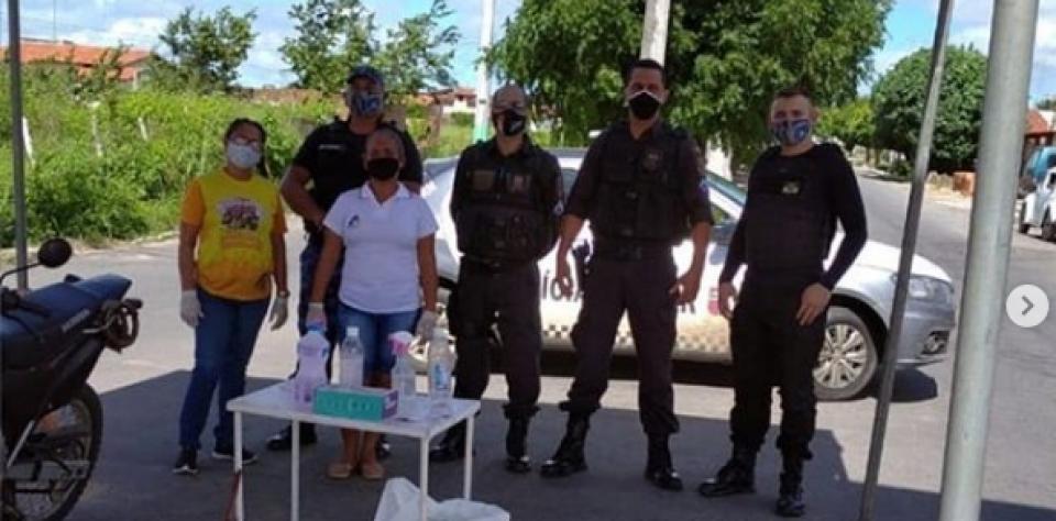 Barreira sanitária,em conjunto com a secretaria de saúde de Lagoa de Pedras.